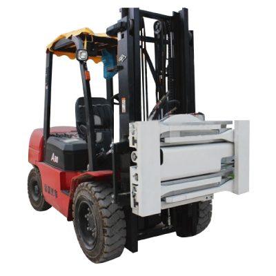 Memasang Pengikat Tanpa Lengan untuk Forklift